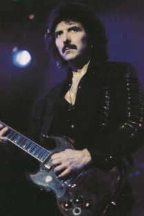 トニー・アイオミ(Tony Iommi)  元祖リフ・マスター、全てのへヴィメタル音楽のルーツと
