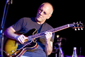 Legendary Blues guitarist and Grammy award winner Larry Carlton performs a masterclass hosted by The Guitar Institute at The Bedford Arms in South London. Carlton is best known for his groundbreaking work with Steely Dan, John Lennon and The Crusaders. Ca