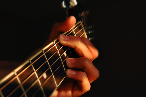 guitar-blur-mitchell-565510-o
